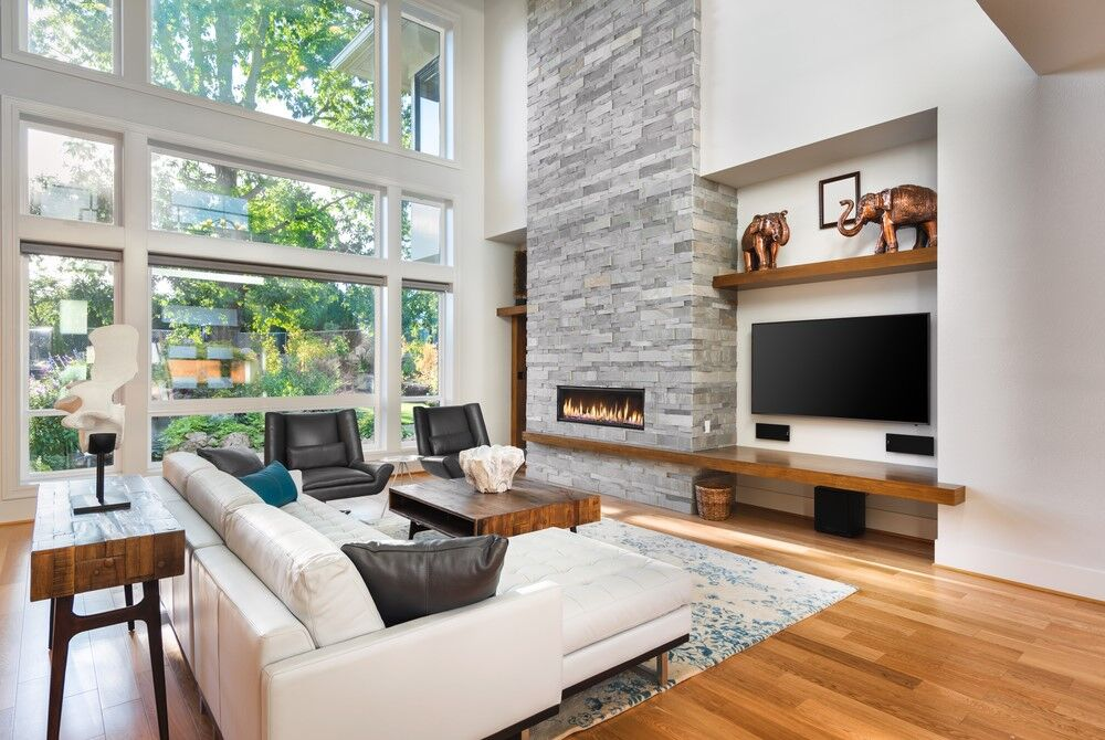 Mid Century Modern large, even floor to ceiling windows.
