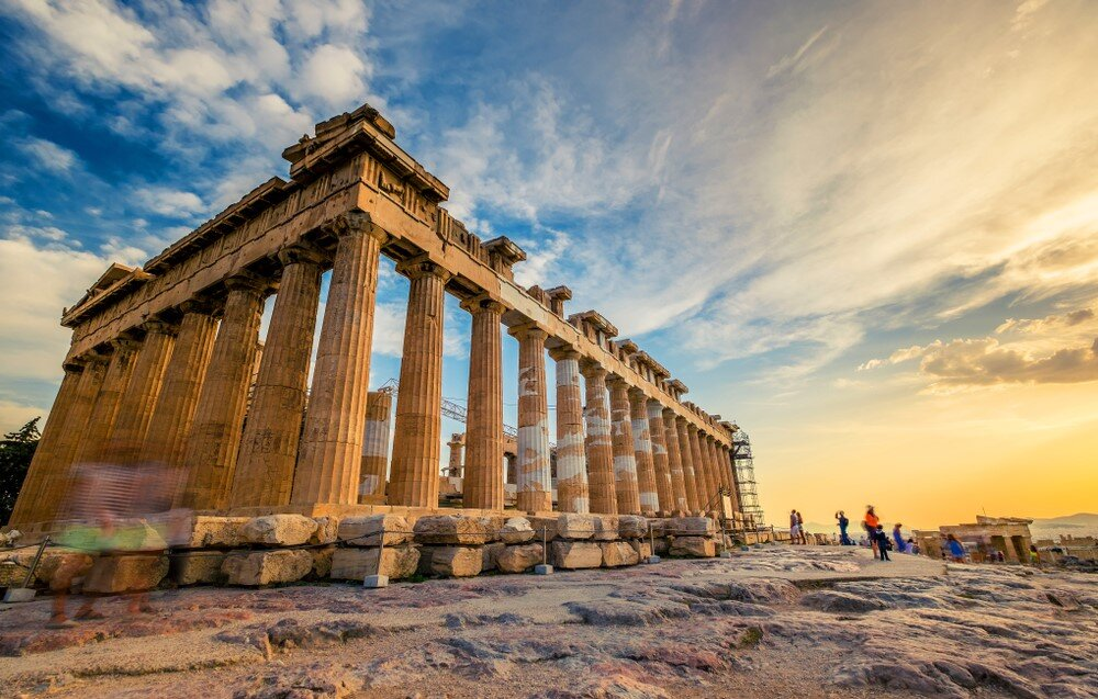 Hadrian's renowned Parthenon was completed using concrete in 432 B.C.