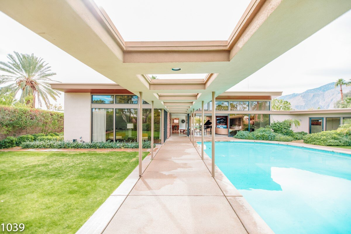 Frank Sinatra's Twin Palms helped the Mid Century Modern style gain popularity after World War II