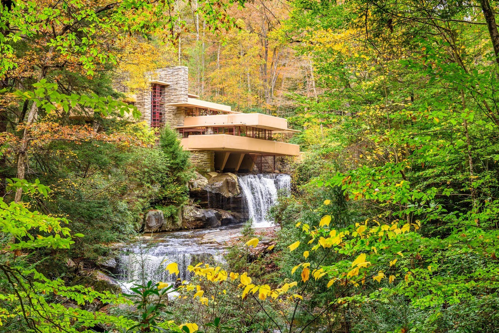The tiered levels in Wright's Fallingwater in Pennsylvania integrate with the dropping waterfall.
