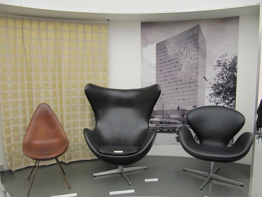 Lightweight with floating bases, Arne Jacobsen's Egg and Swan Chairs were perfectly modern.